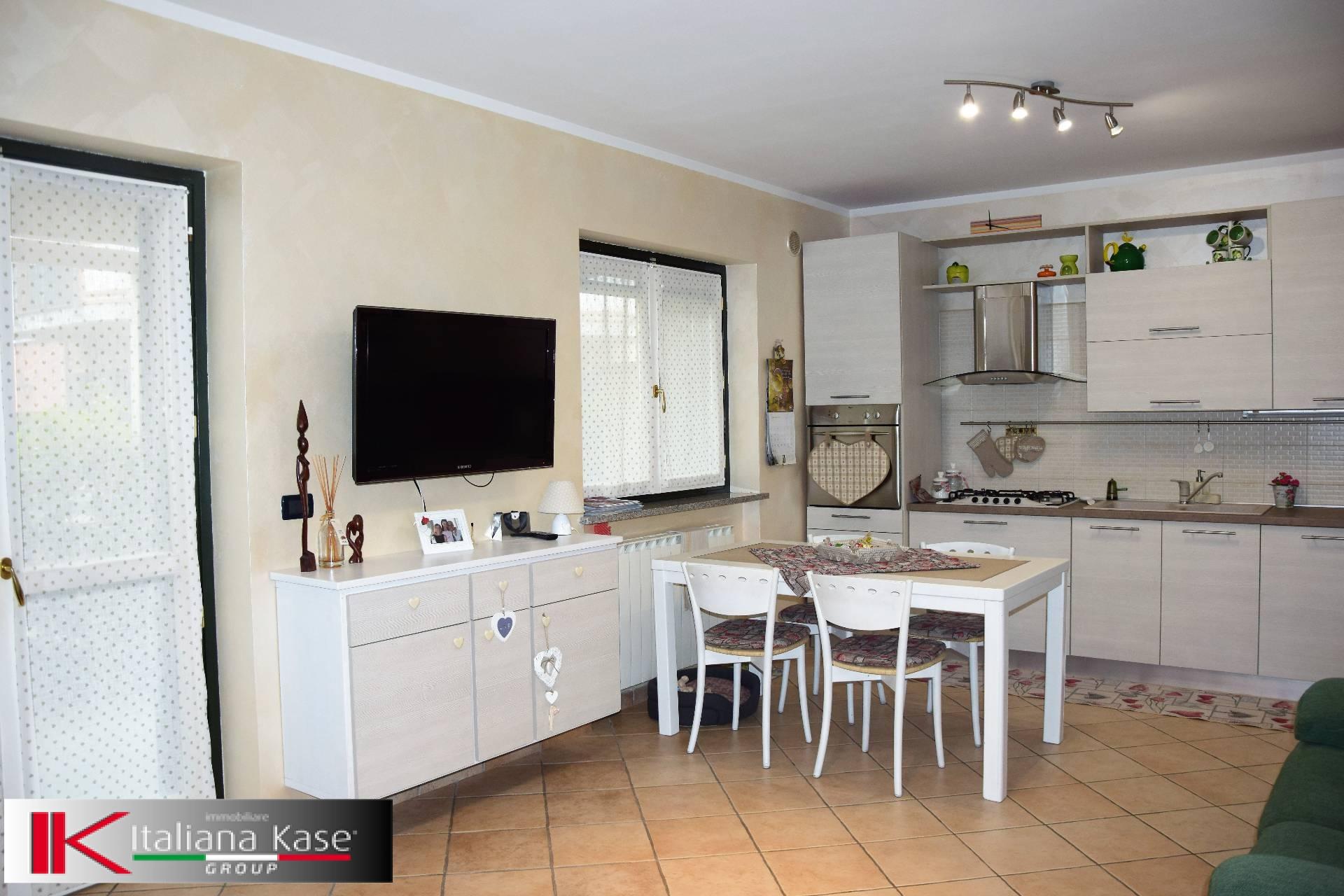 Appartamento in vendita a Castiglione Torinese, 3 locali, zona Località: Centro, prezzo € 195.000 | CambioCasa.it