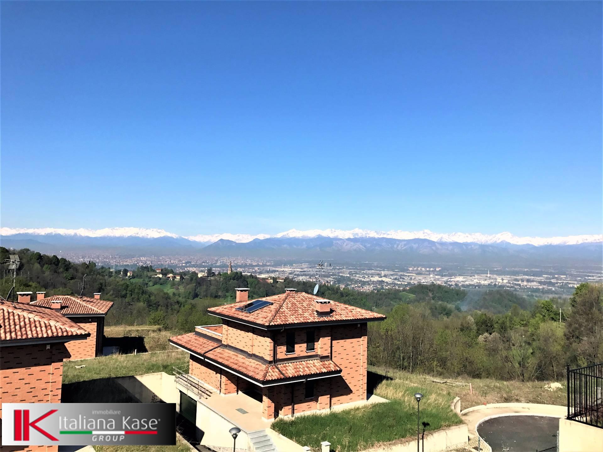 Villa in vendita a Castiglione Torinese, 7 locali, zona Località: Centro, prezzo € 580.000   CambioCasa.it