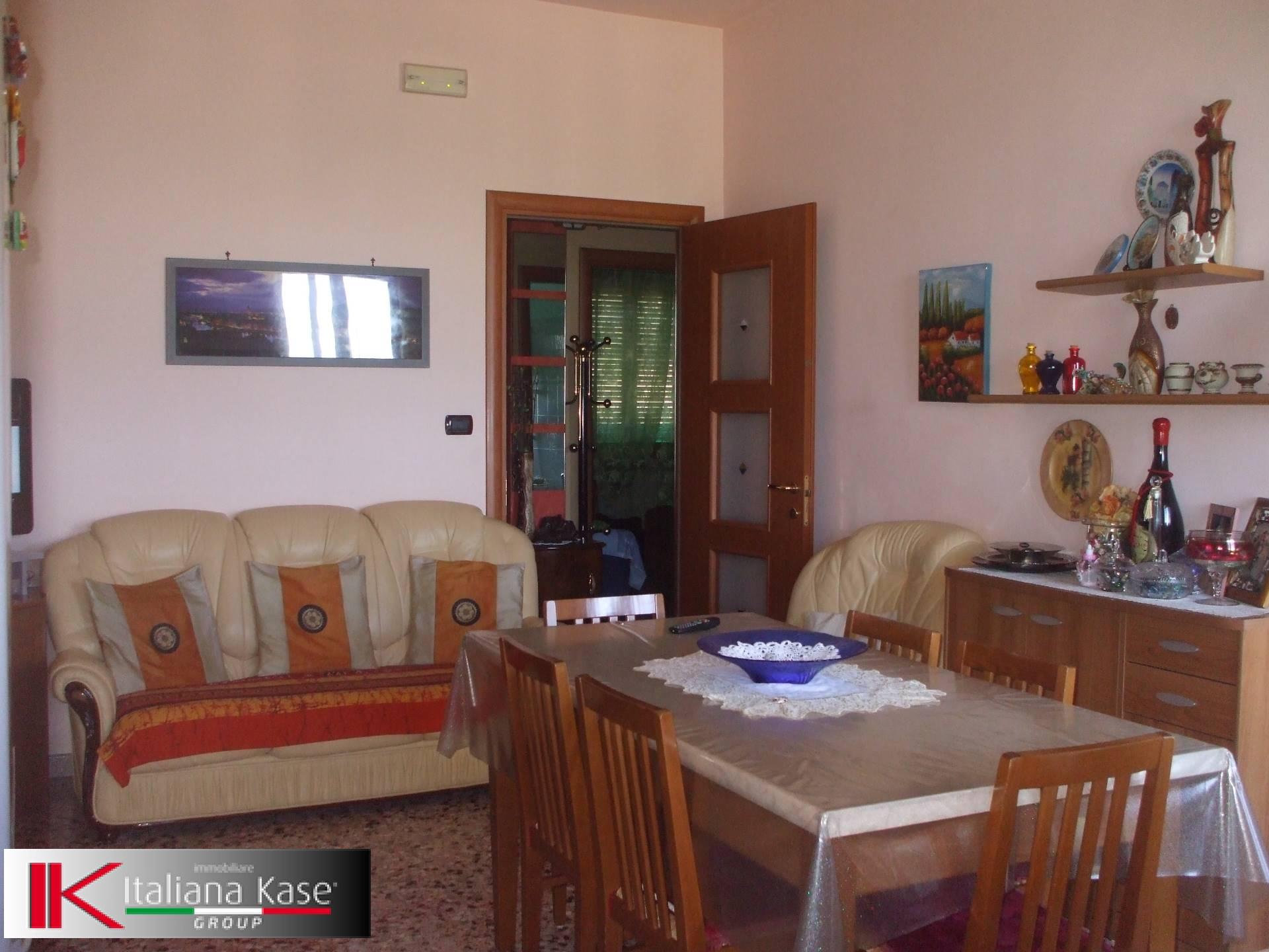 Appartamento in vendita a Castiglione Torinese, 3 locali, zona Località: Centro, prezzo € 95.000 | CambioCasa.it