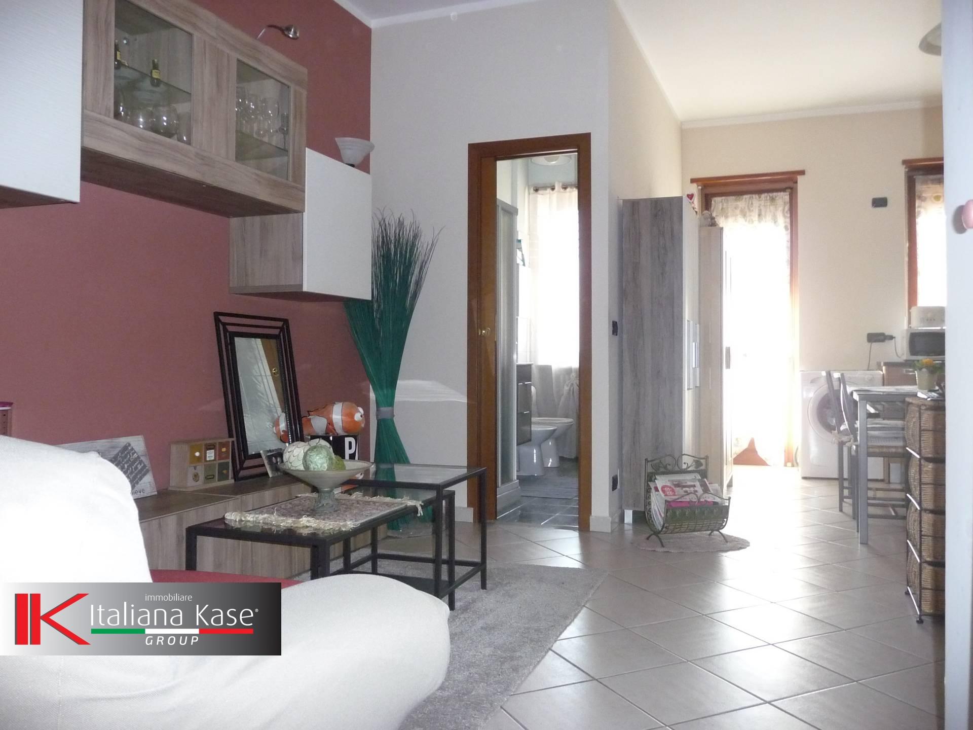 Bilocale Settimo Torinese Via Sondrio 3