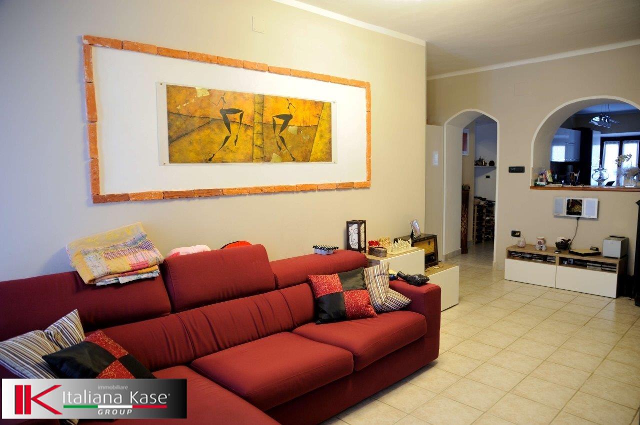 Appartamento in vendita a Castiglione Torinese, 3 locali, zona Località: Centro, prezzo € 99.000 | CambioCasa.it