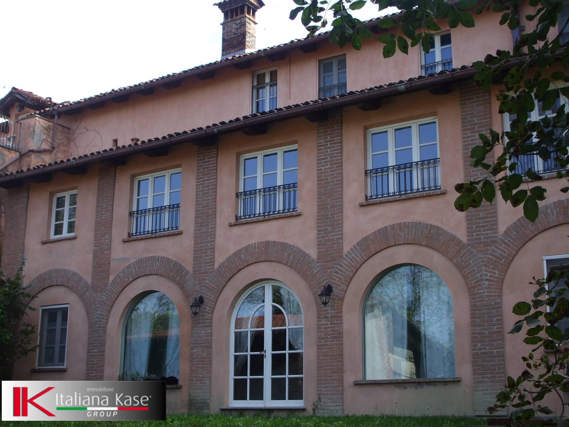 Villa in vendita a Sciolze, 20 locali, Trattative riservate | CambioCasa.it