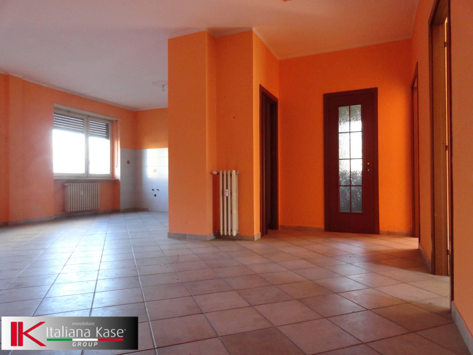 Appartamento in vendita a Caluso, 3 locali, zona Località: Caluso, prezzo € 29.000 | PortaleAgenzieImmobiliari.it