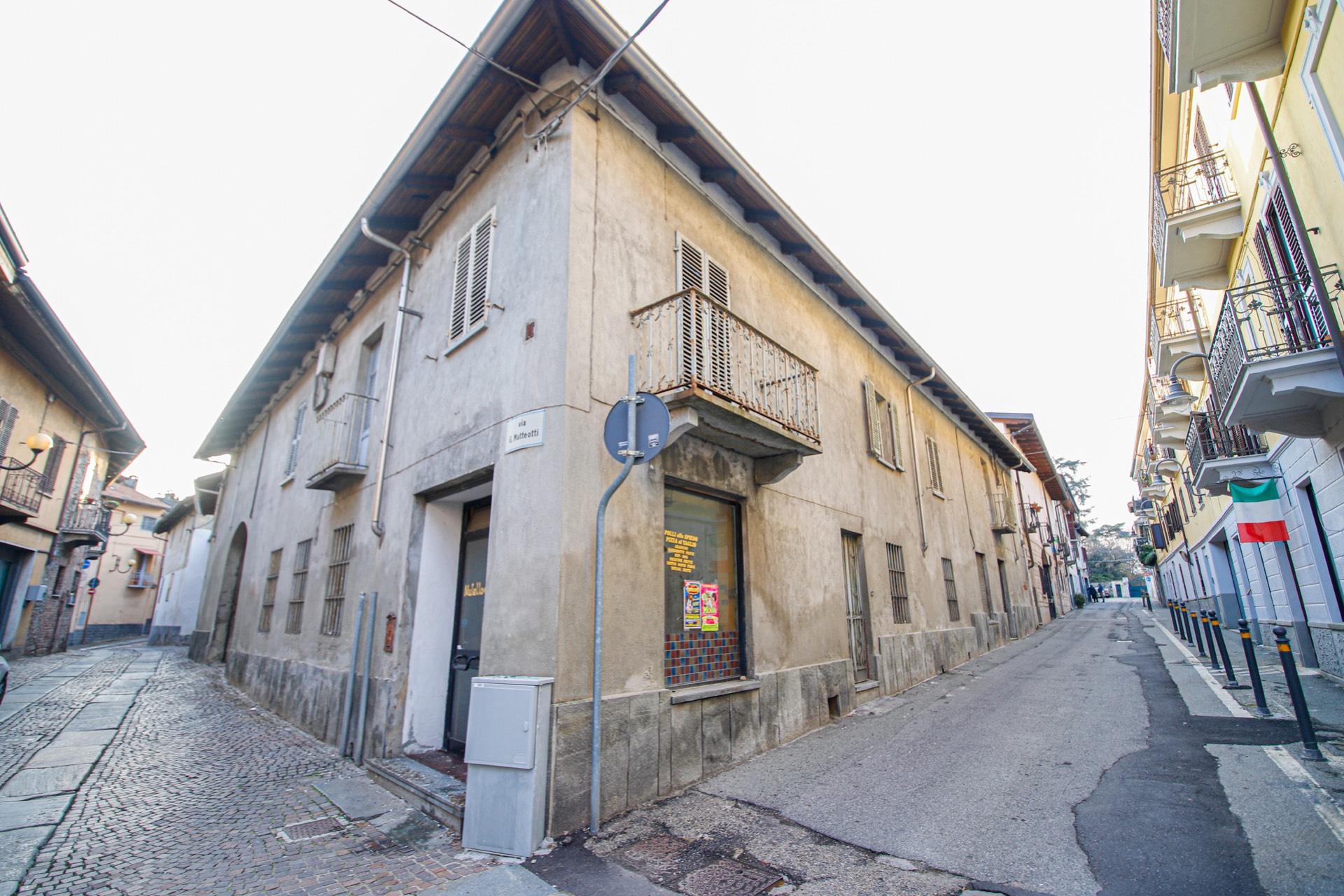 Rustico / Casale in vendita a Pianezza, 24 locali, prezzo € 299.000 | CambioCasa.it