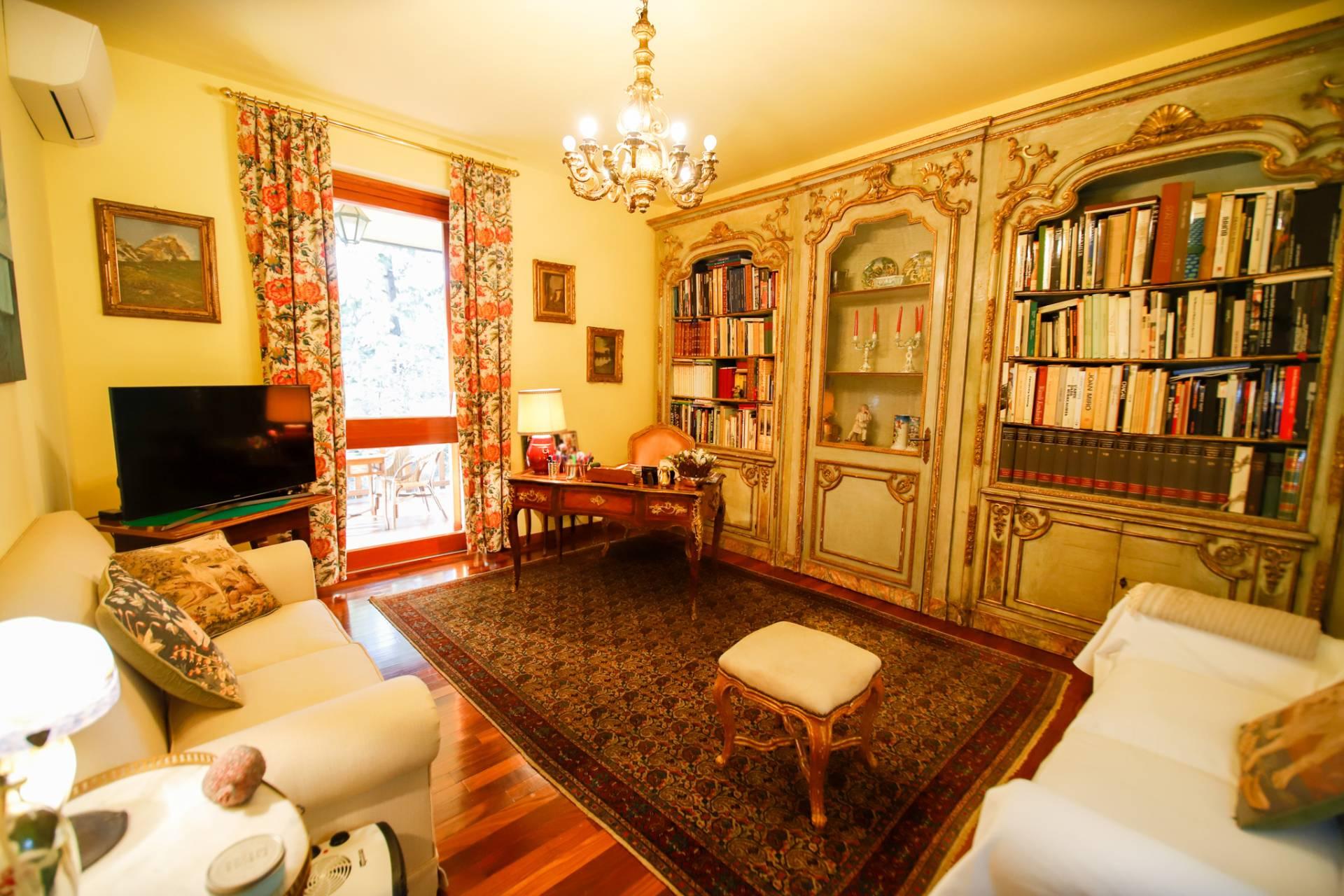 Appartamento in vendita a San Mauro Torinese, 12 locali, zona Zona: Sambuy, prezzo € 285.000 | CambioCasa.it