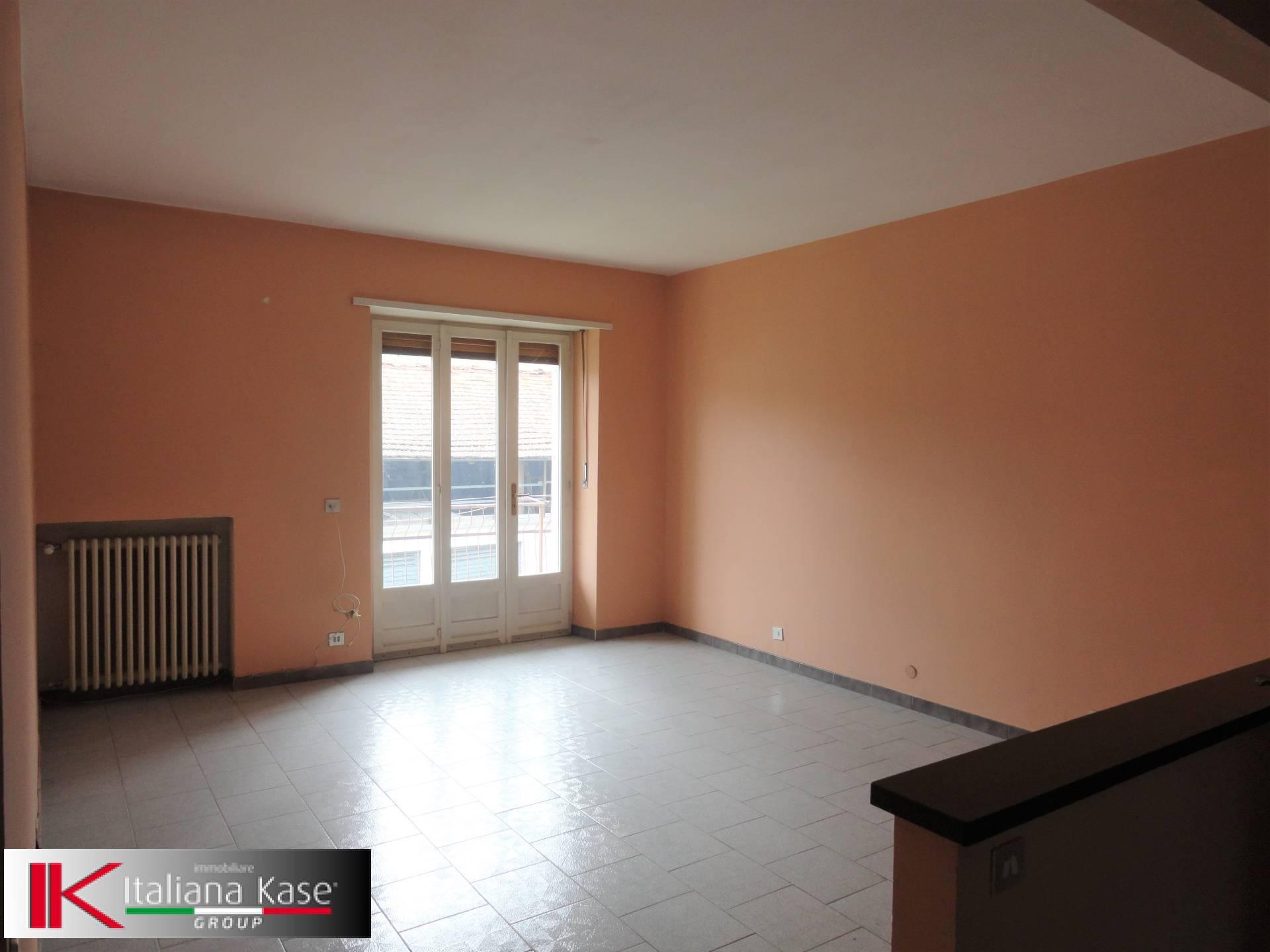 Appartamento in affitto a Candia Canavese, 4 locali, zona Località: CandiaCanavese, prezzo € 400 | PortaleAgenzieImmobiliari.it