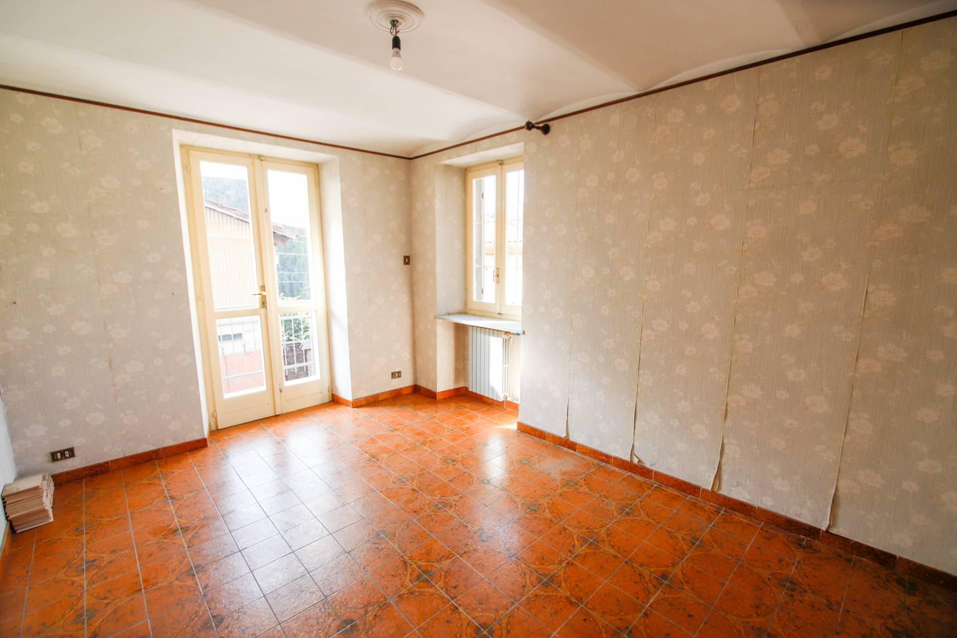 Appartamento in vendita a San Mauro Torinese, 5 locali, zona Località: SanMauroCentro, prezzo € 159.000 | CambioCasa.it