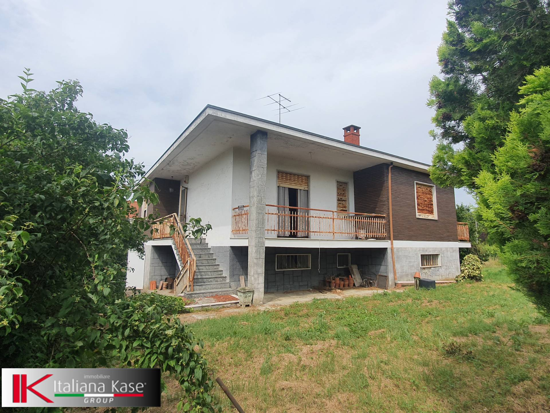 Villa in vendita a Monteu da Po, 6 locali, prezzo € 148.000 | CambioCasa.it