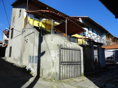 Porzione di bifamiliare in Vendita a Candia Canavese