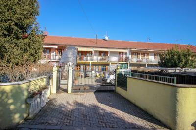 appartamento con giardino in Vendita a Leinì