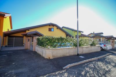 Villa in Vendita a Bosconero