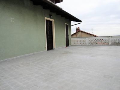 appartamento con terrazzo in Affitto a Candia Canavese