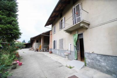Rustici / cascine / case in Vendita a Volpiano