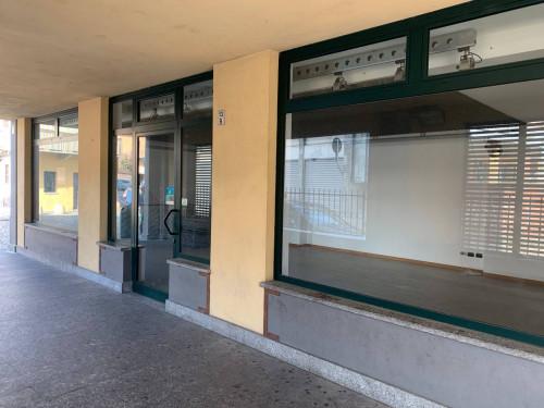 Attività commerciale in Affitto a Chivasso