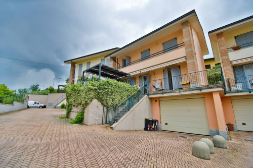 Villa a schiera in Affitto/Vendita a Castagneto Po
