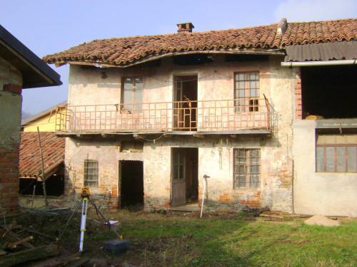 Rustici / cascine / case in Vendita a Pino Torinese