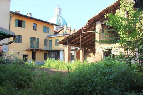Rustici / cascine / case in Vendita a Gassino Torinese