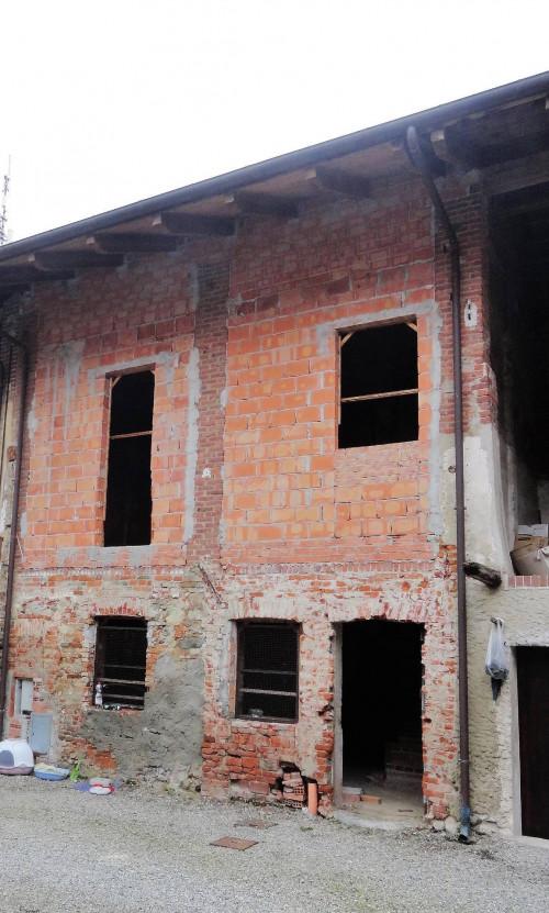 Rustici / cascine / case in Vendita a Candia Canavese