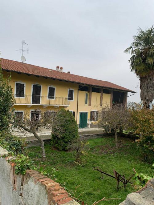 Rustici / cascine / case in Vendita a Verrua Savoia