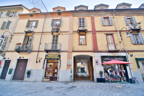 2 locali in Vendita a Torino