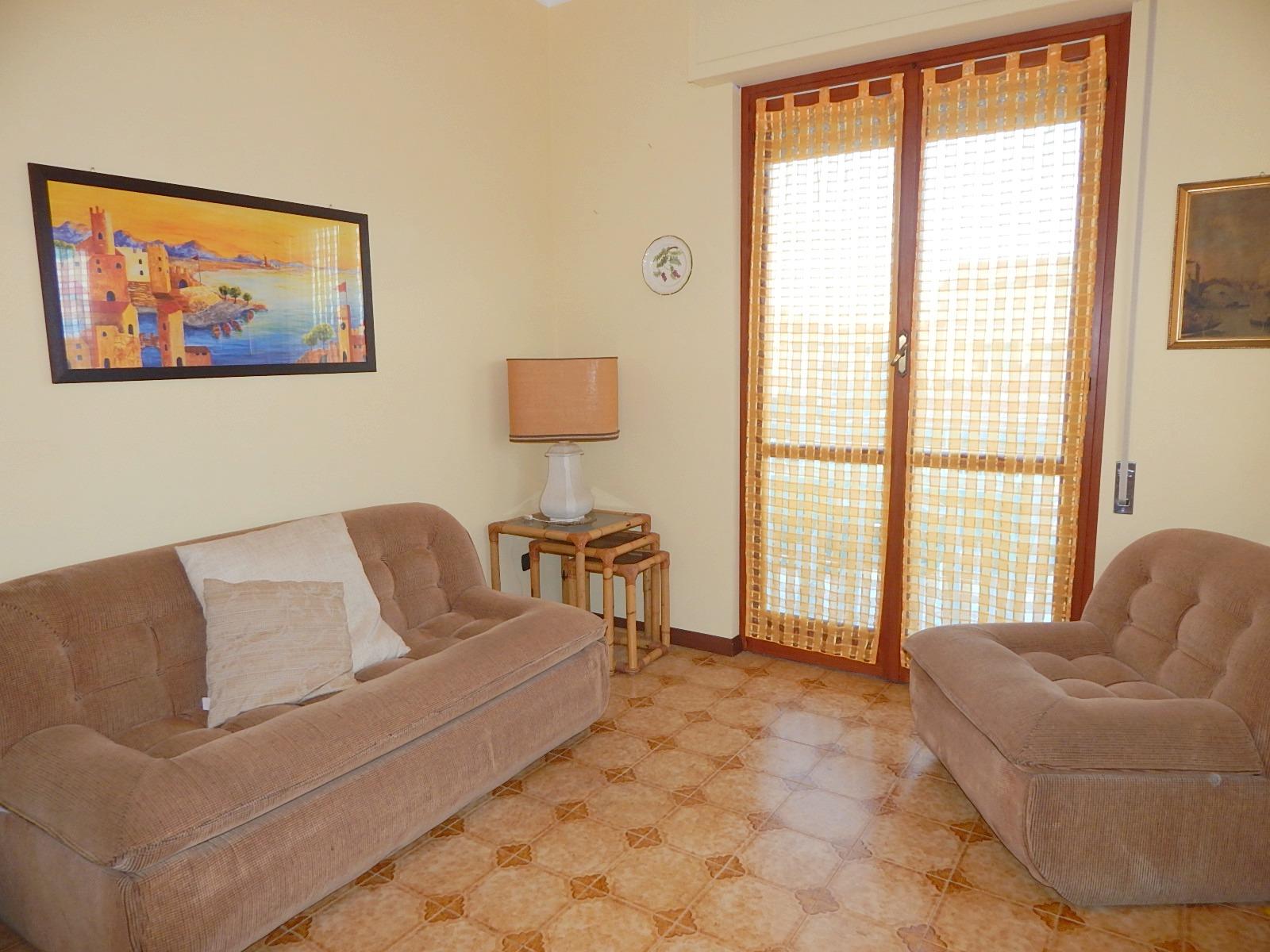 Appartamento loano in affitto for Case loano affitto