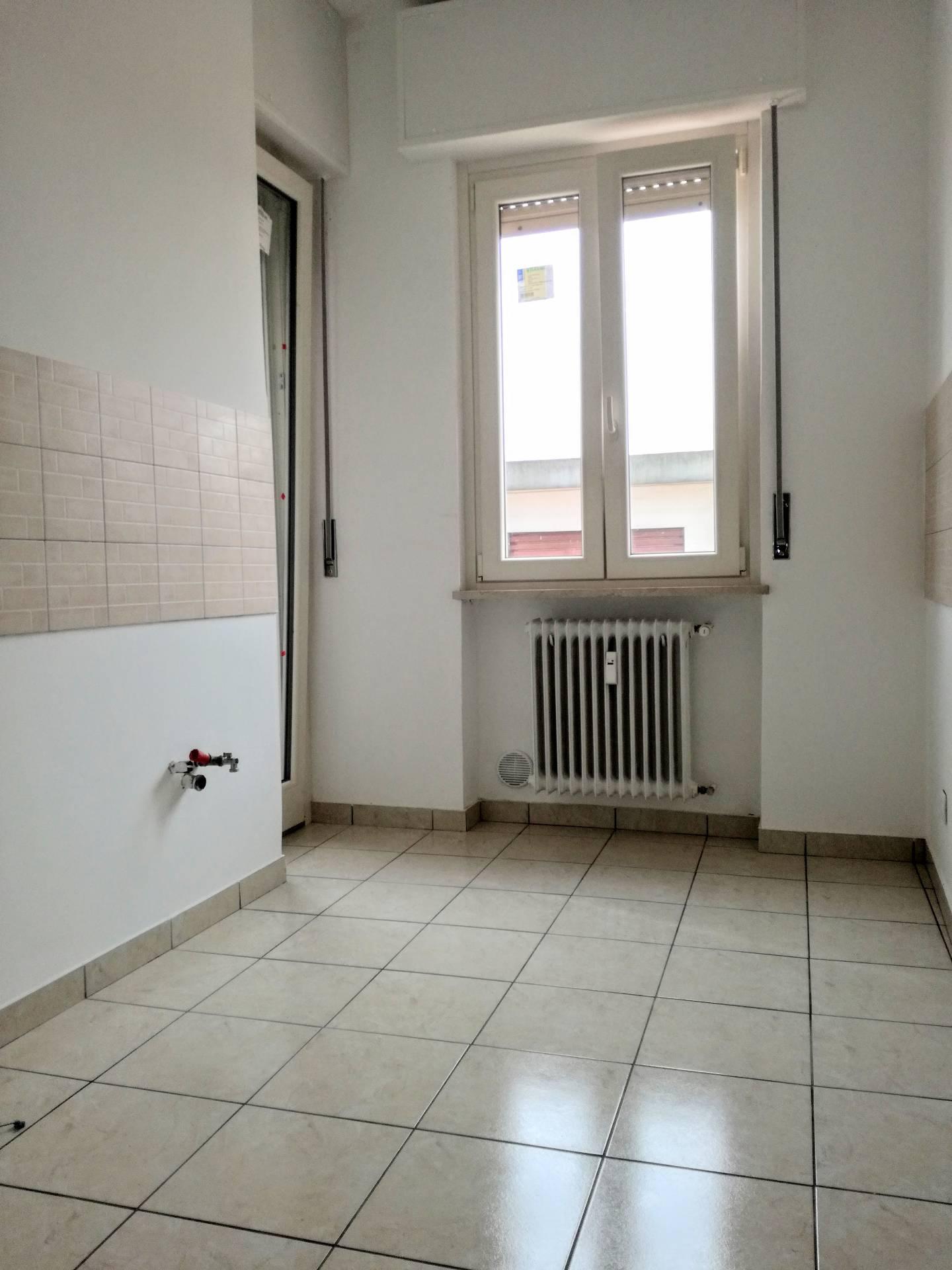 Appartamento in affitto a Casale Monferrato, 4 locali, zona Zona: Popolo, prezzo € 350 | Cambio Casa.it