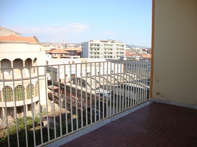 affitto appartamento catania viale m. rapisardi - lava  500 euro  3 locali  90 mq