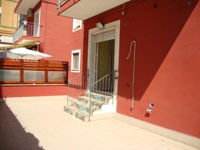 affitto appartamento catania viale m. rapisardi - lava  600 euro  4 locali  105 mq