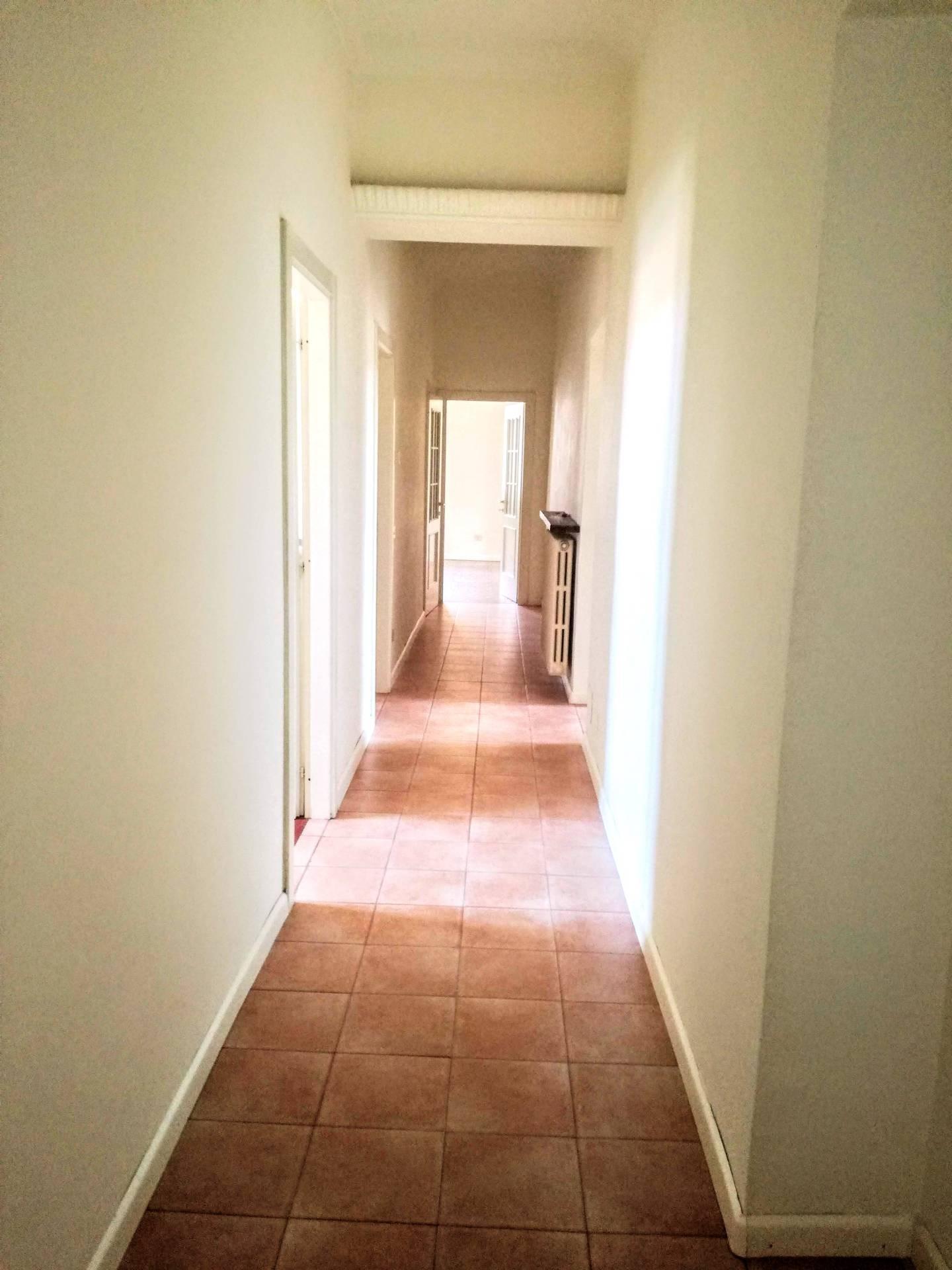 Appartamento in affitto a Casale Monferrato, 5 locali, prezzo € 500 | CambioCasa.it