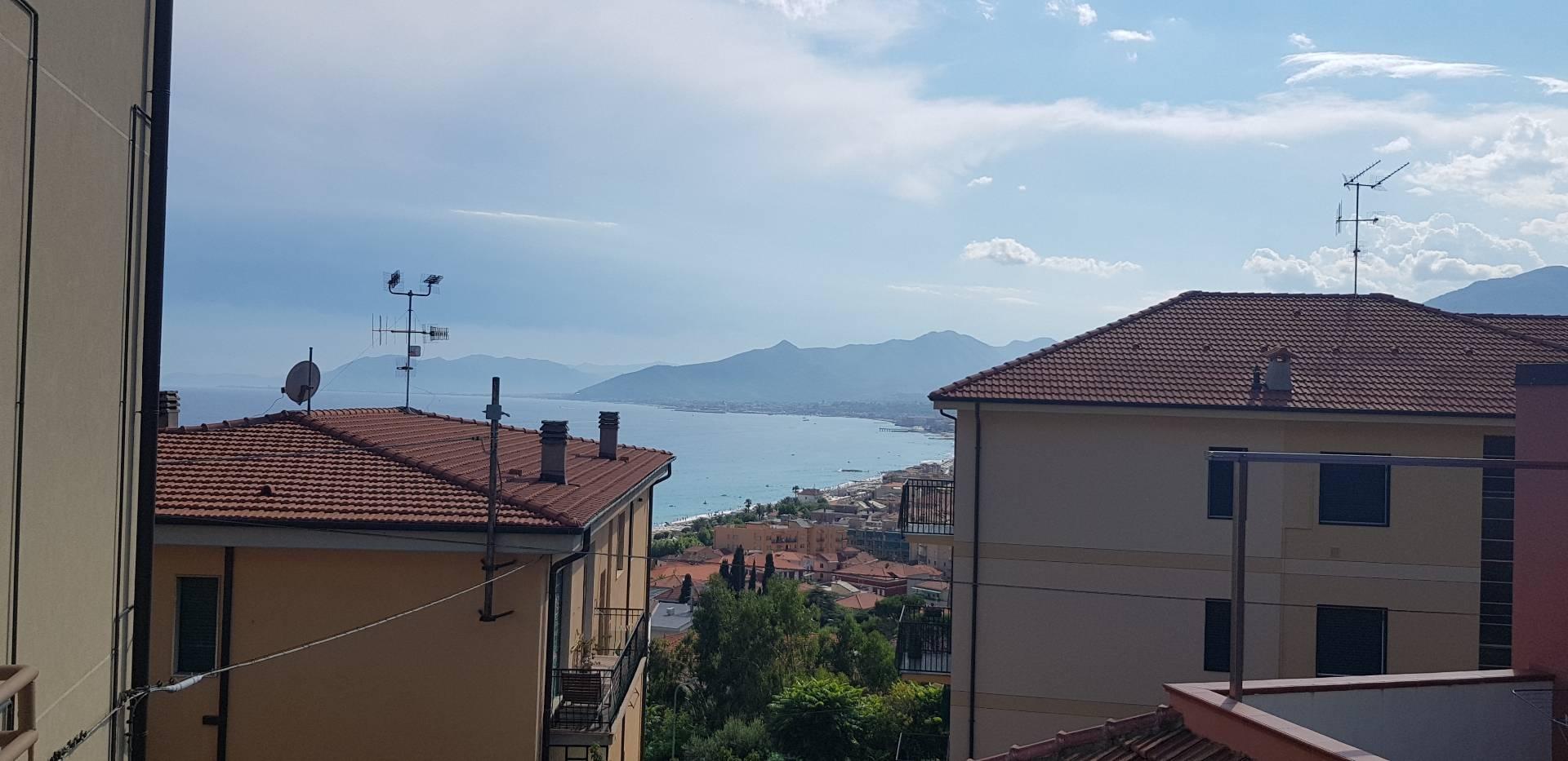 Appartamento in affitto a Borgio Verezzi, 3 locali, zona Zona: Borgio, prezzo € 600 | CambioCasa.it