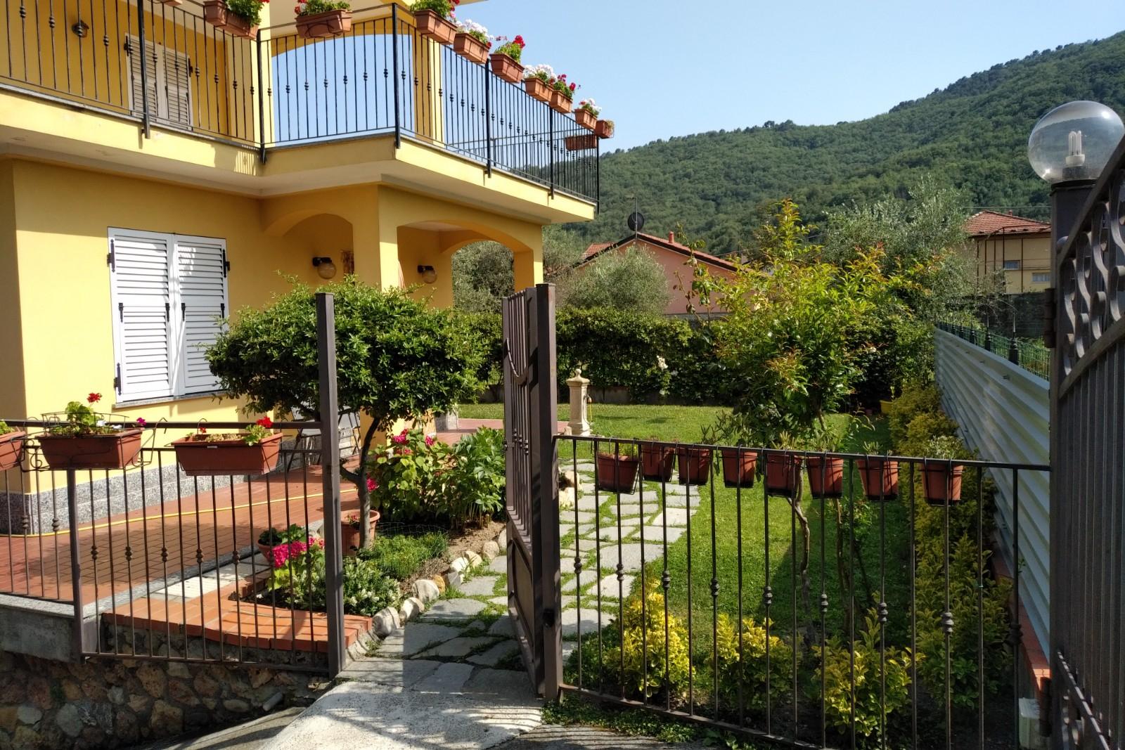 VILLA in Affitto a Ortovero (SAVONA)