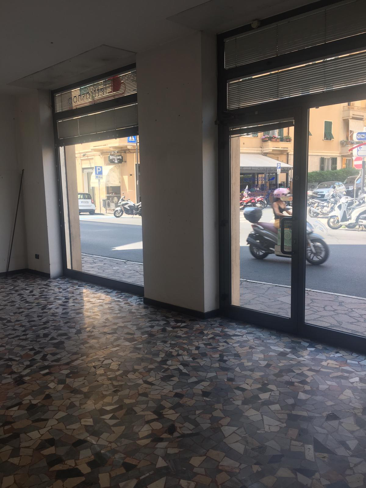 Attività / Licenza in affitto a Alassio, 9999 locali, prezzo € 1.300 | PortaleAgenzieImmobiliari.it