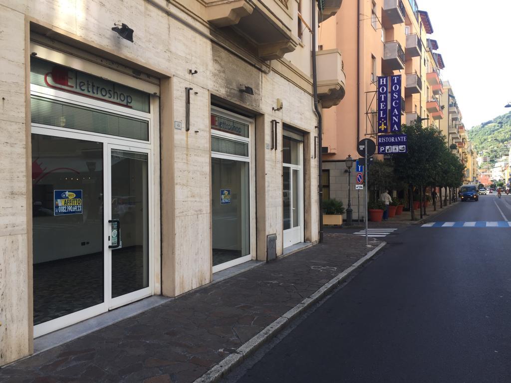 Negozio / Locale in affitto a Alassio, 9999 locali, prezzo € 1.300 | PortaleAgenzieImmobiliari.it