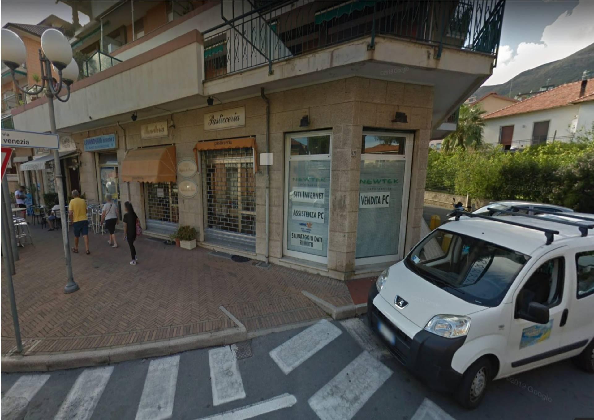 Negozio / Locale in affitto a Ceriale, 9999 locali, prezzo € 600 | CambioCasa.it