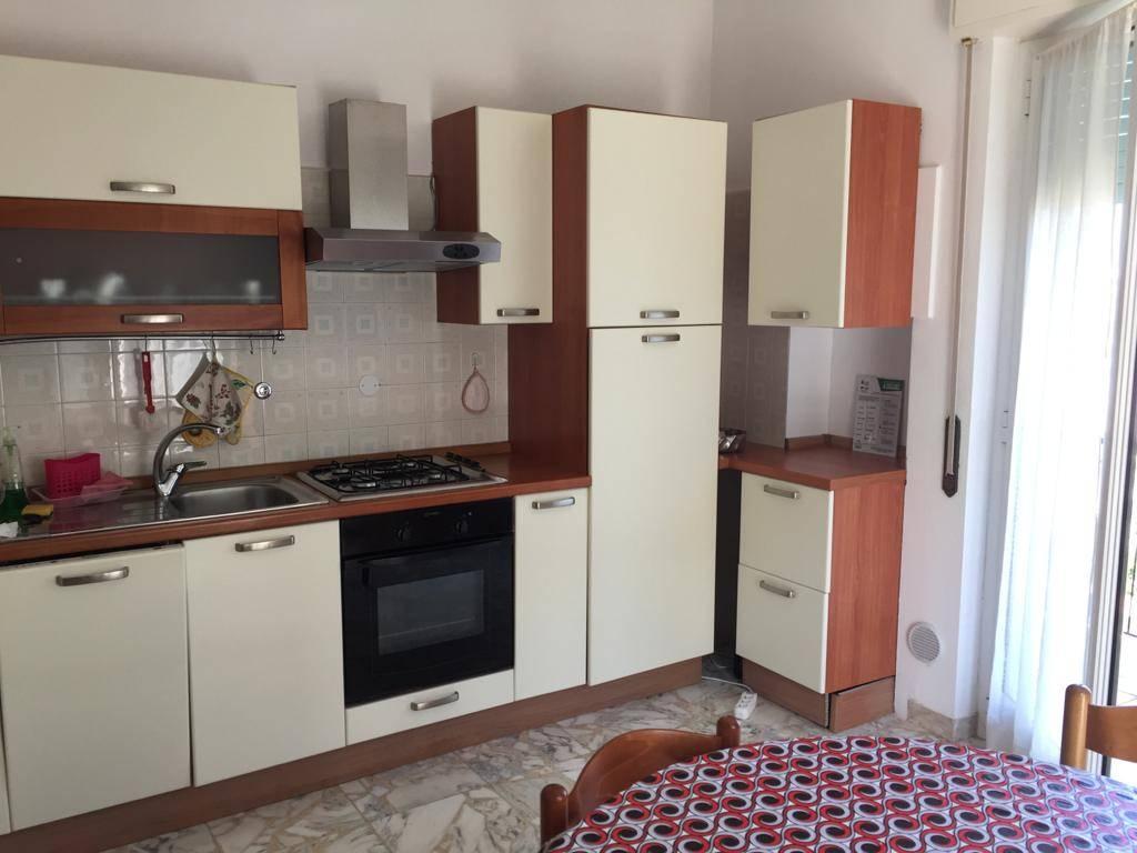 Appartamento in affitto a Alassio, 4 locali, prezzo € 700 | CambioCasa.it