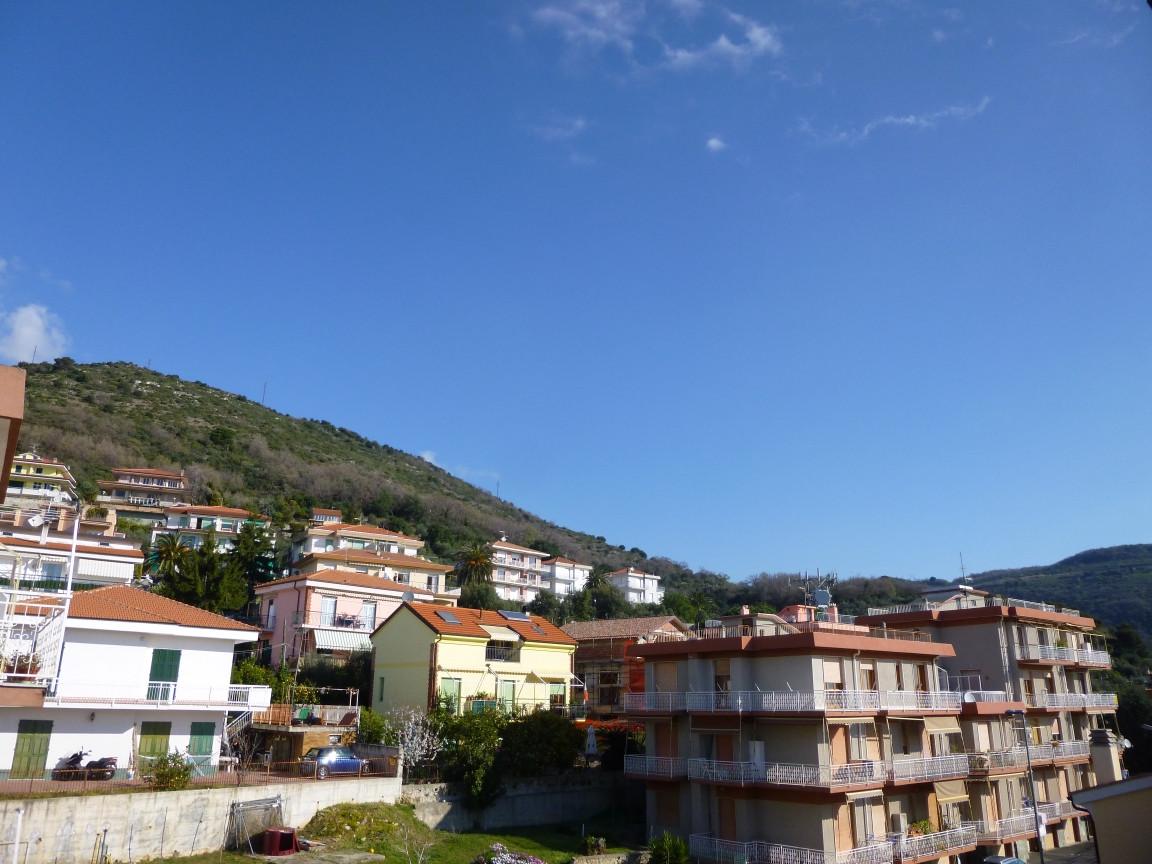 Bilocale Pietra Ligure Via Alberti 7