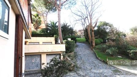 Appartamento in affitto a Arenzano, 5 locali, zona Località: PinetadiArenzano, prezzo € 1.200 | Cambio Casa.it