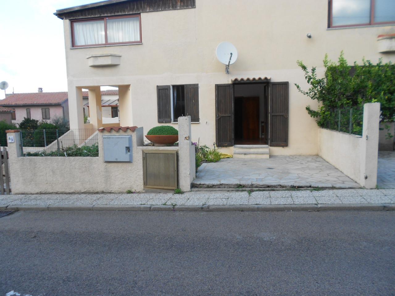 Villa a Schiera in Vendita a Santa Teresa Gallura