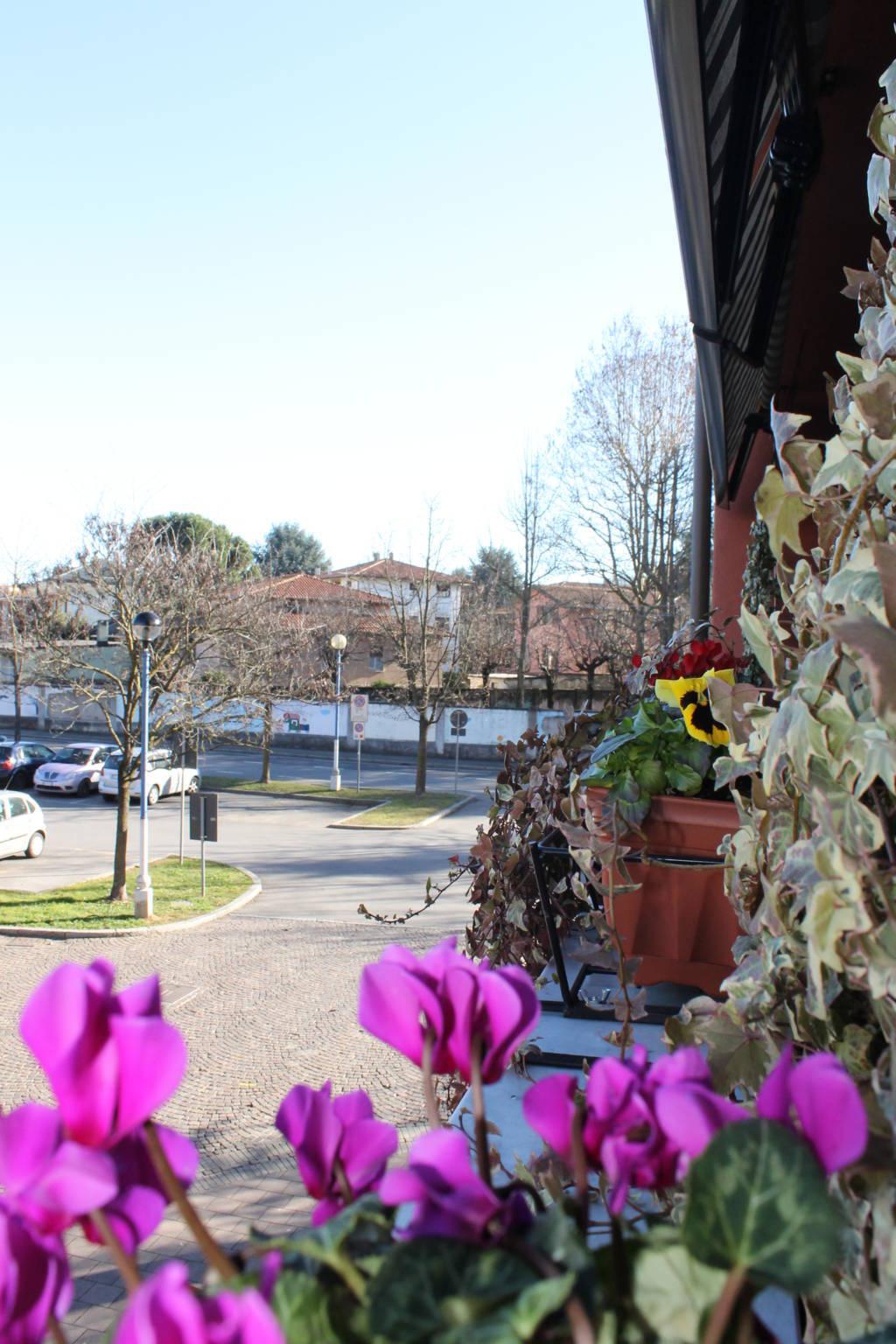Bilocale Arcore Piazza Pertini 9