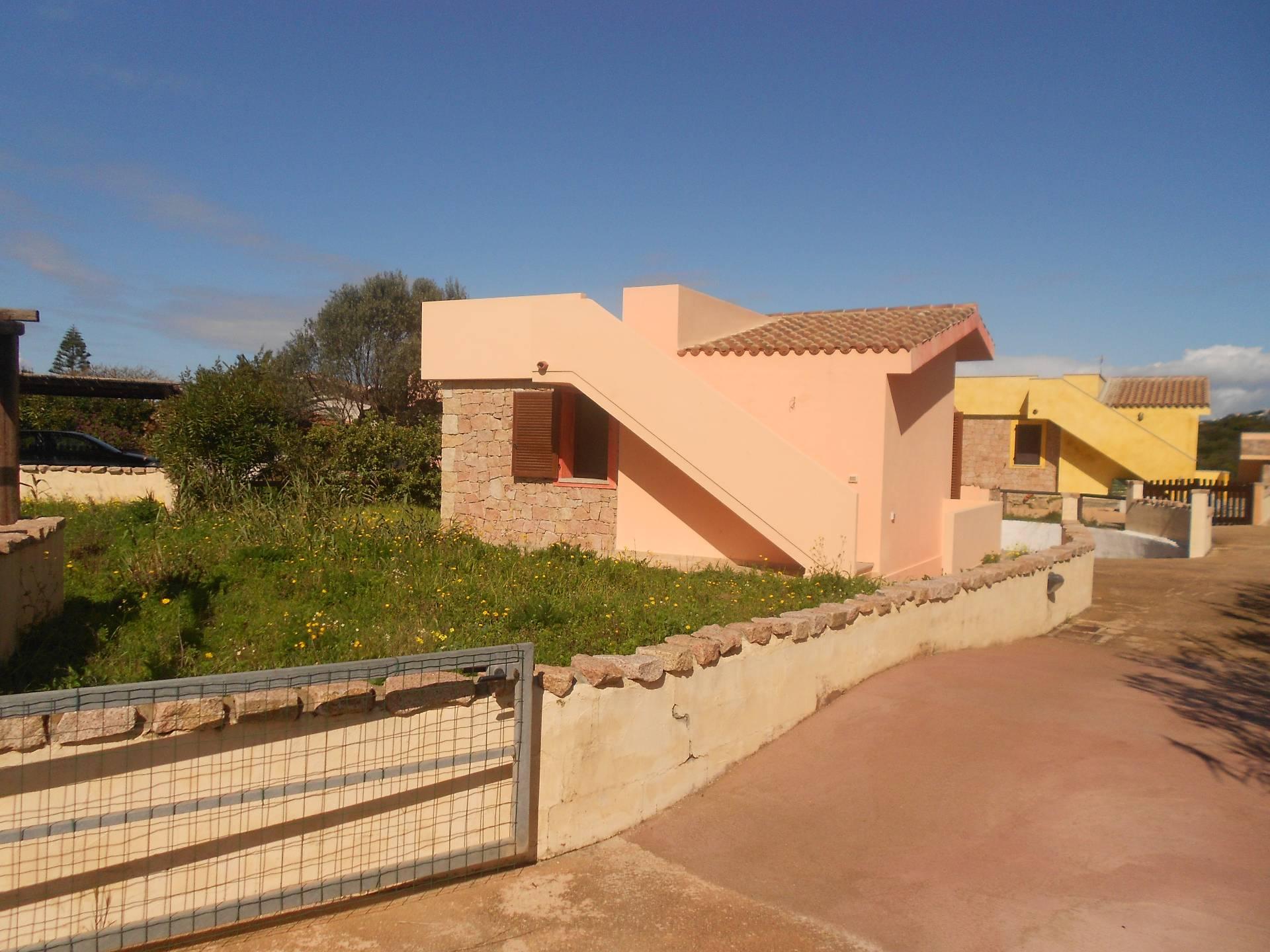 Soluzione Indipendente in vendita a Santa Teresa Gallura, 5 locali, prezzo € 160.000   Cambio Casa.it