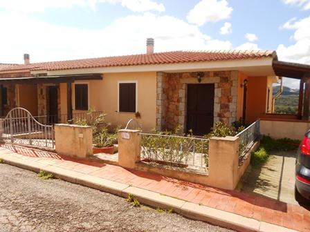 Appartamento in vendita a Palau, 3 locali, zona Zona: Barrabisa, prezzo € 150.000 | Cambio Casa.it