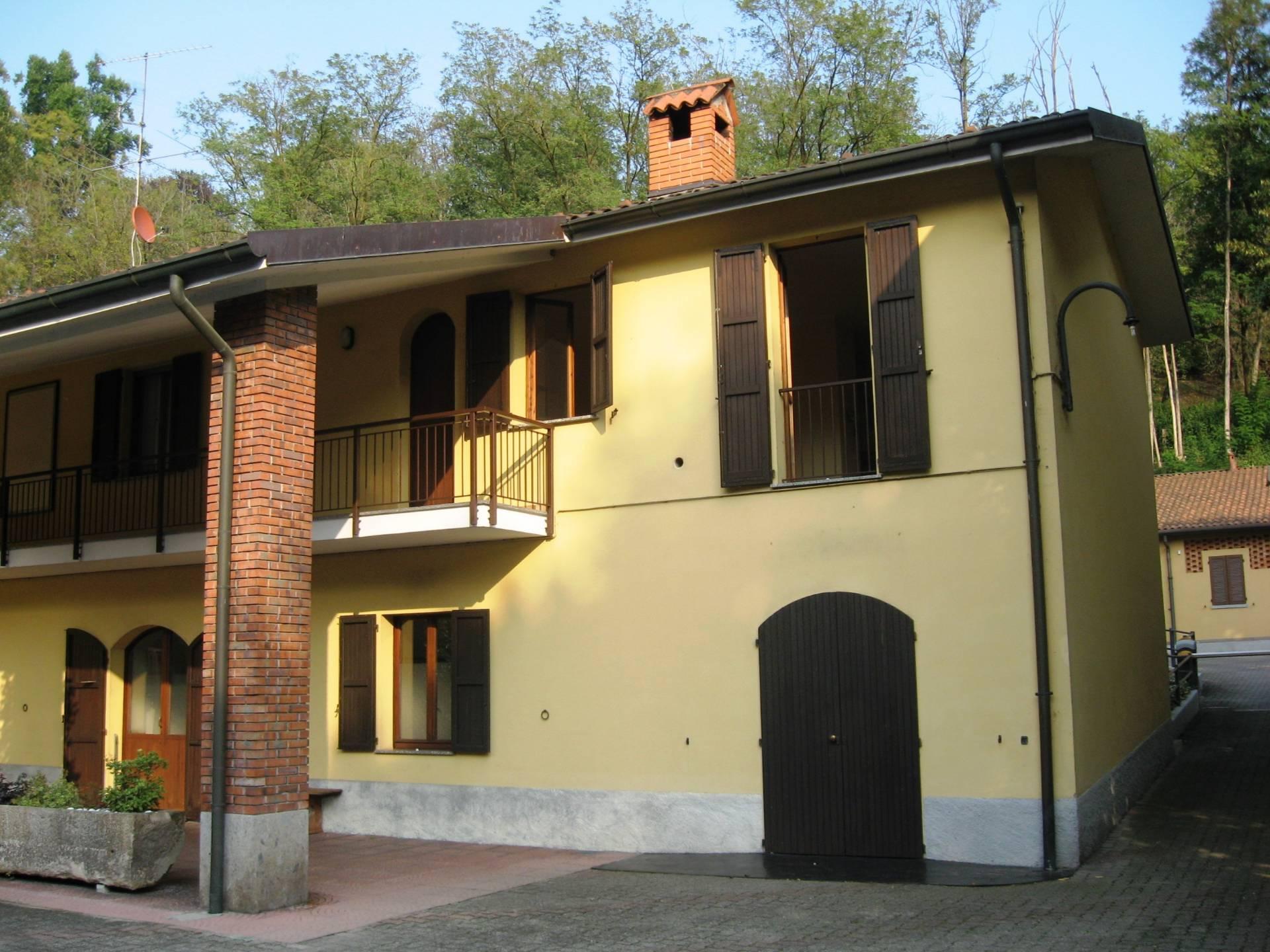 Bilocale Lesmo Via Molini Taverna 9