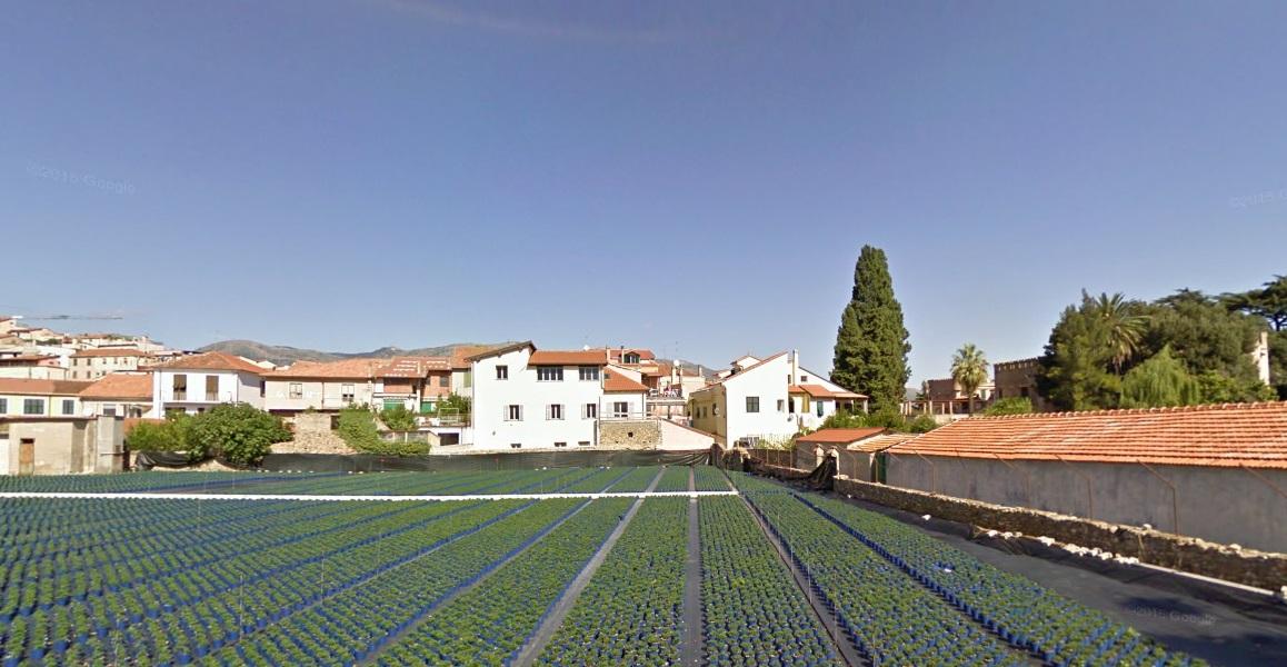 Rustico / Casale in vendita a Albenga, 13 locali, zona Zona: Bastia, prezzo € 130.000 | Cambio Casa.it