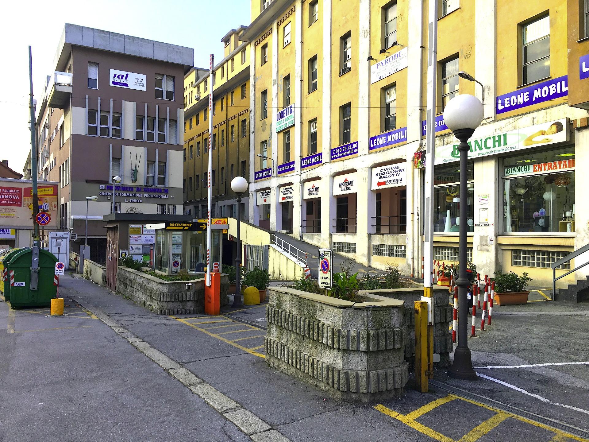 Magazzino in affitto a Genova, 9999 locali, prezzo € 22.000   Cambio Casa.it