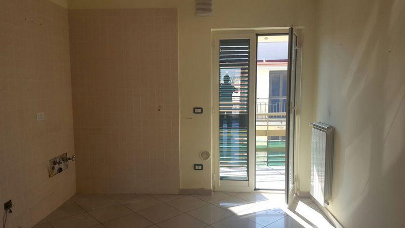 Appartamento in affitto a Castello di Cisterna, 4 locali, prezzo € 500 | Cambio Casa.it