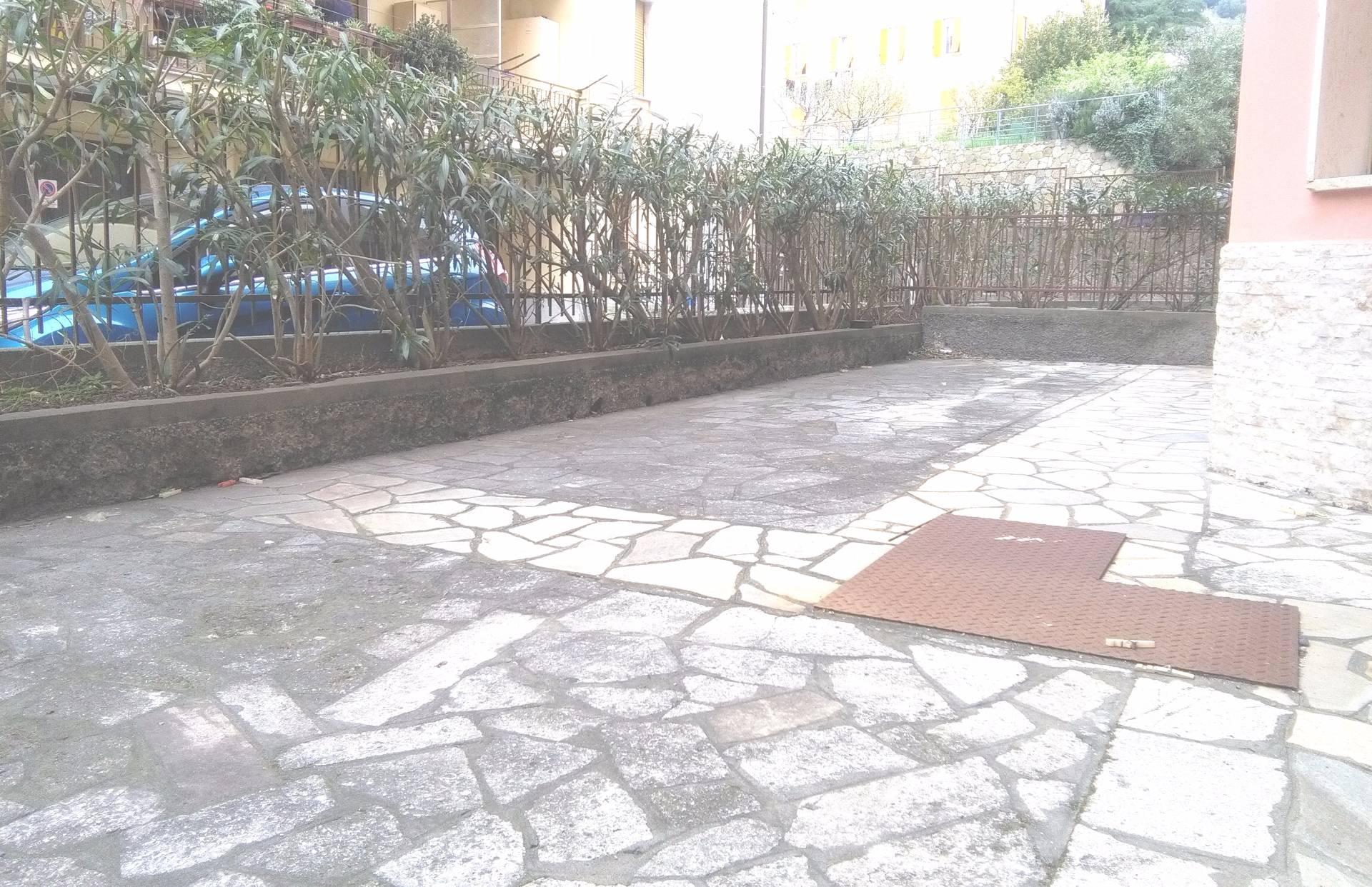 Appartamento in vendita a Arenzano, 3 locali, zona Località: Stazione, prezzo € 250.000 | Cambio Casa.it