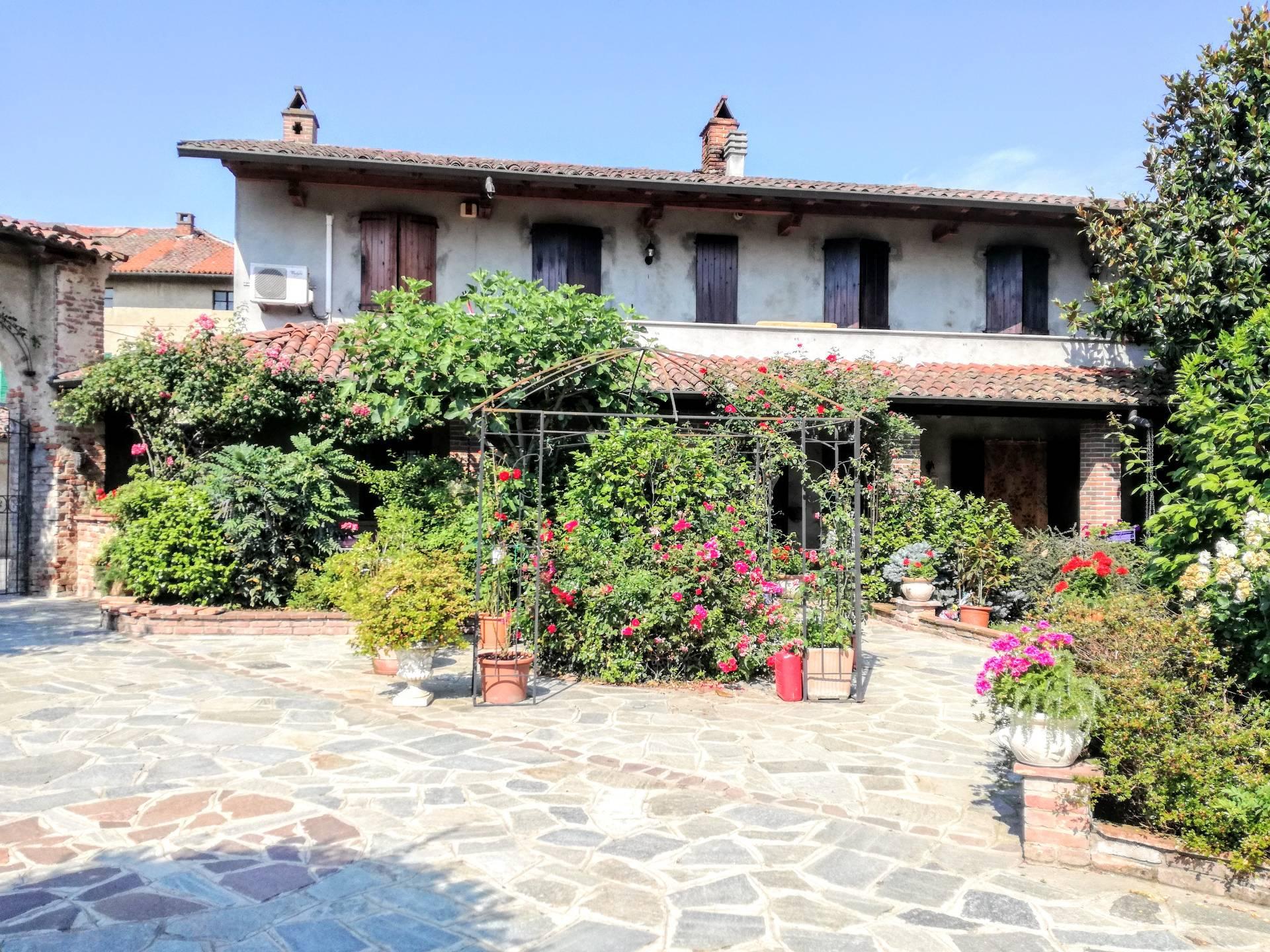 Villa in vendita a Langosco, 4 locali, prezzo € 310.000 | CambioCasa.it