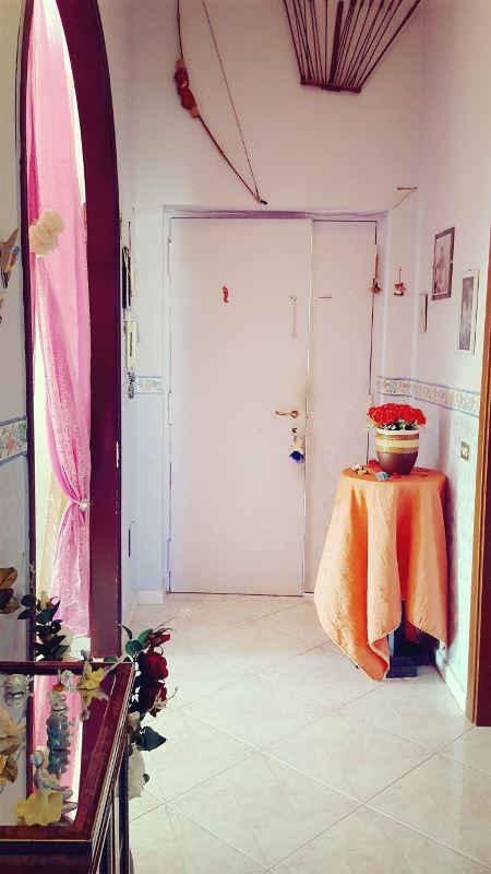 Appartamento in vendita a Brusciano, 3 locali, prezzo € 65.000 | CambioCasa.it