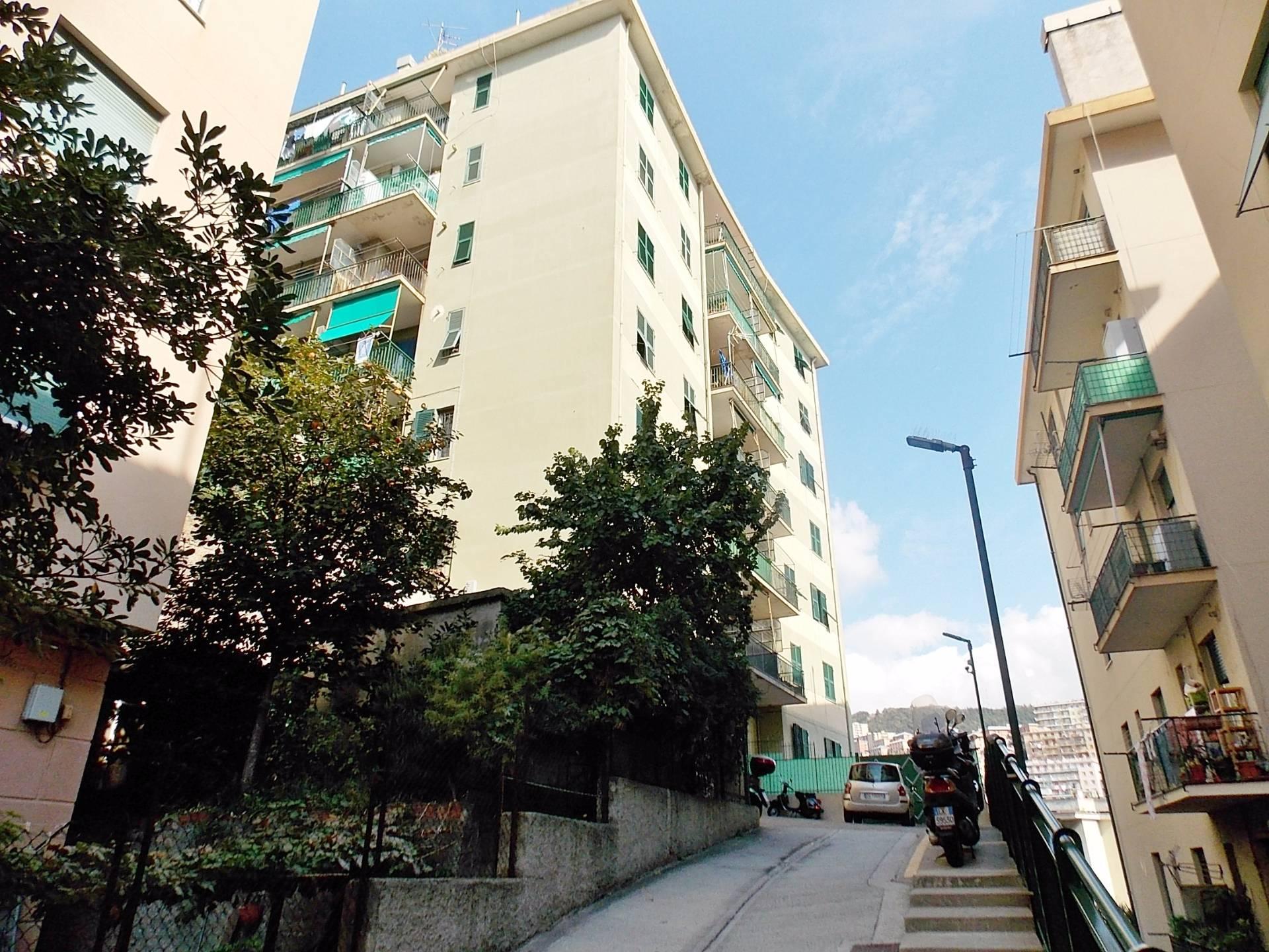 vendita appartamento genova san teodoro  78000 euro  6 locali  78 mq
