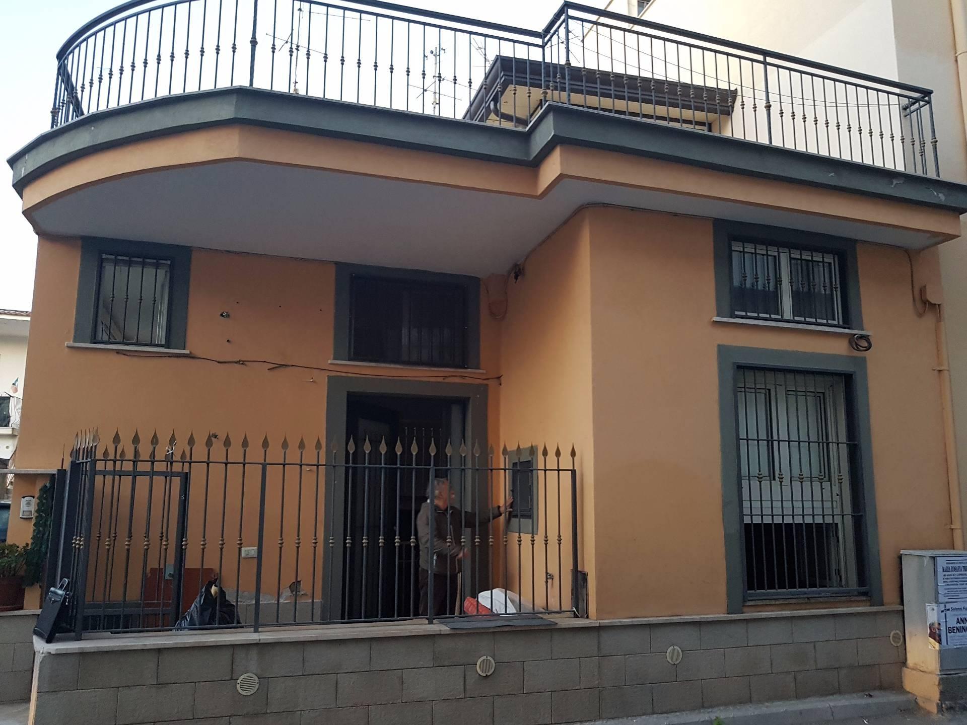 Soluzione Semindipendente in affitto a Brusciano, 4 locali, prezzo € 350   CambioCasa.it